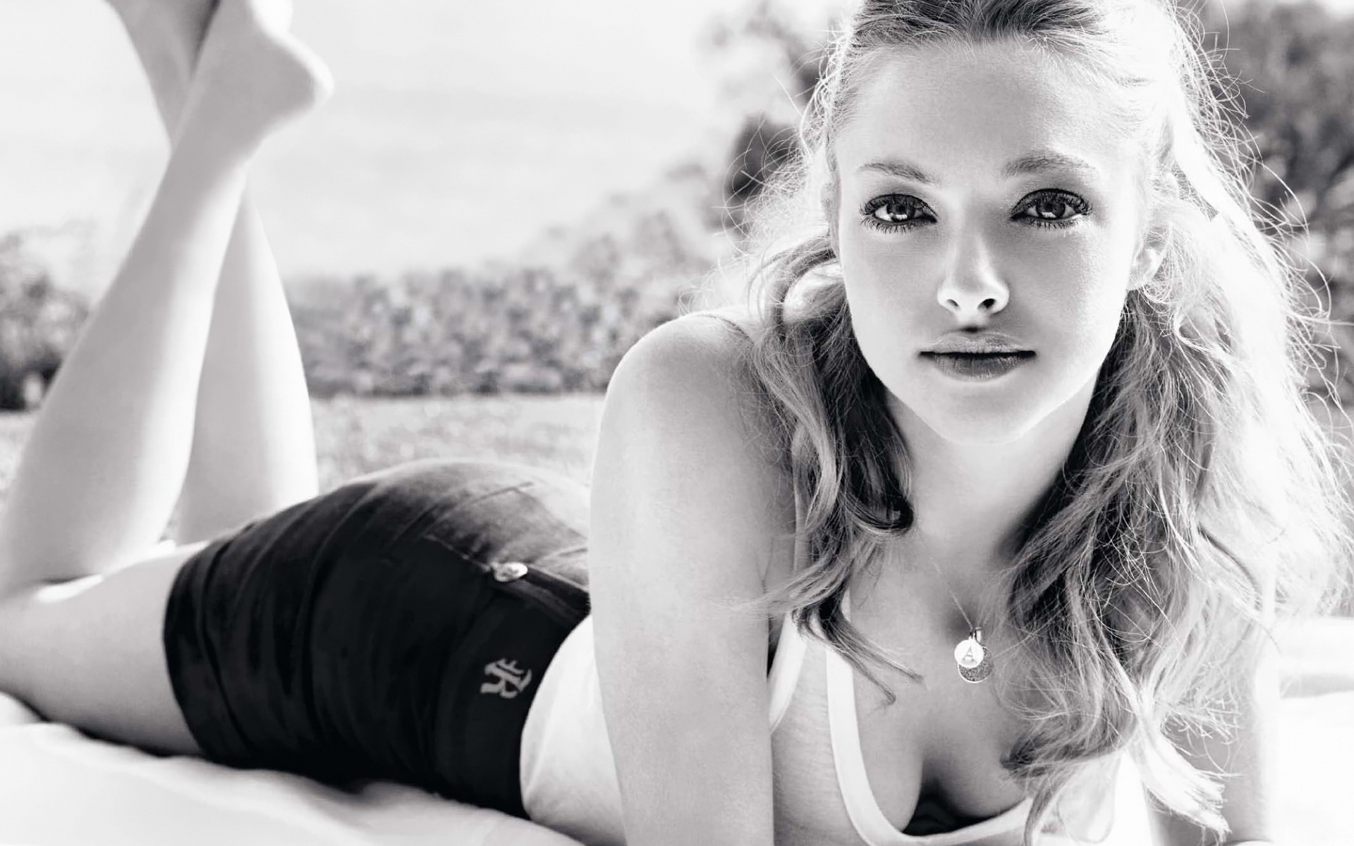 Amanda Seyfried Wallpapers New